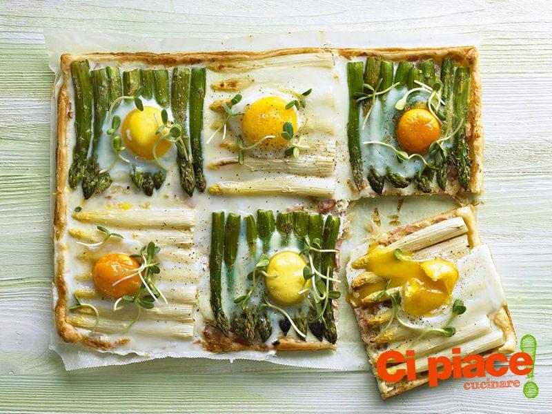 Quadrati di sfoglia con asparagi e uova
