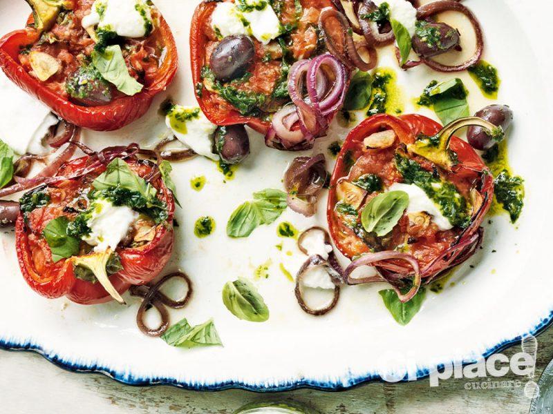 Peperoni con mozzarella e olive
