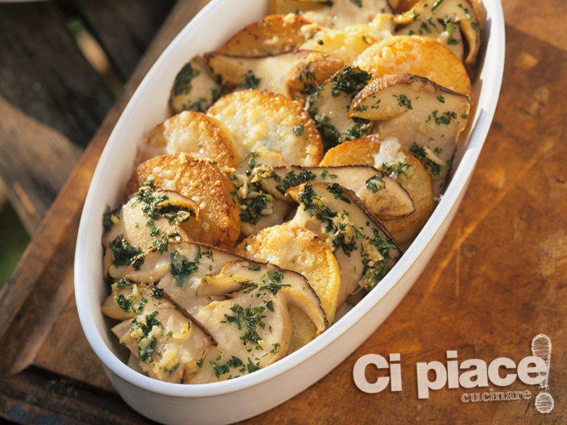 Terrina di patate e funghi gratinati